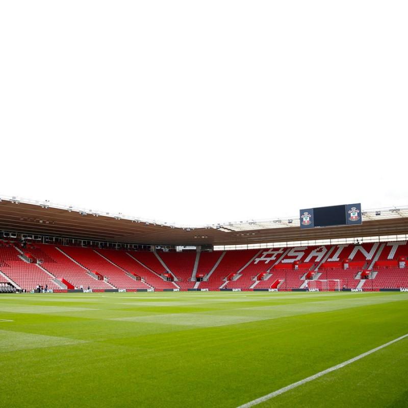 Oplev Southampton på fantastiske St. Mary's Stadium