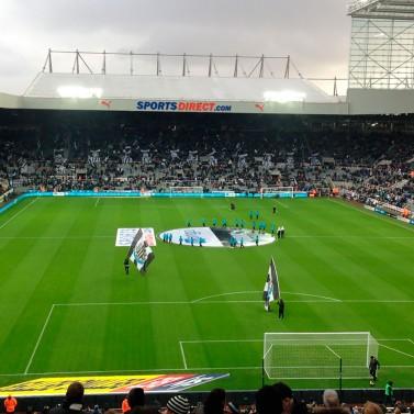 Tag på fodboldrejse til det nordlige England og oplev Newcastle på det fantastiske St James' Park.